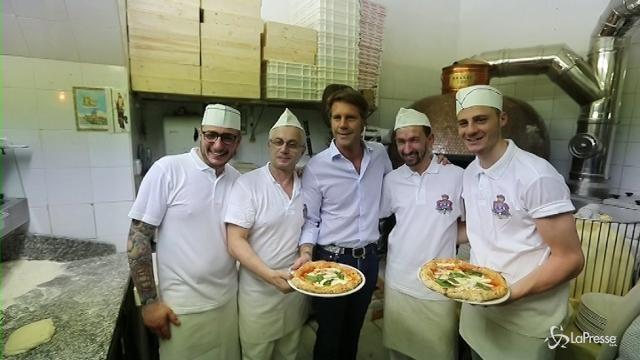 Napoli, il compleanno della pizza Margherita con Emanuele Filiberto