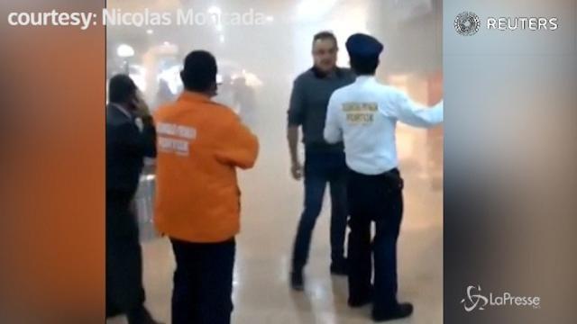 Bomba in un centro commerciale a Bogotà