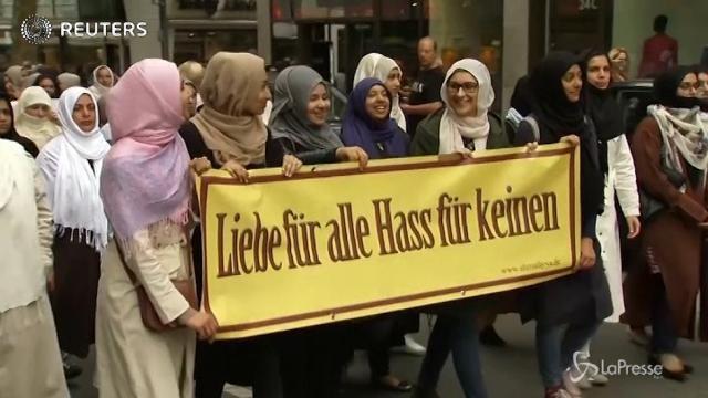 Germania: i musulmani marciano contro il terrorismo