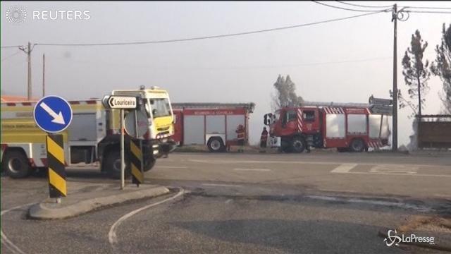 Incendi Portogallo: continua il lavoro dei pompieri