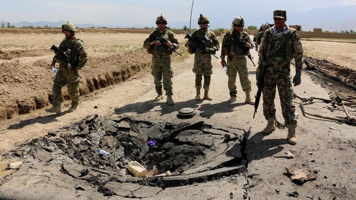 Kamikaze su bus a Kabul: 10 morti. E' vendetta dei talebani