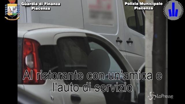 Piacenza: col furgone del Comune andava a prostitute