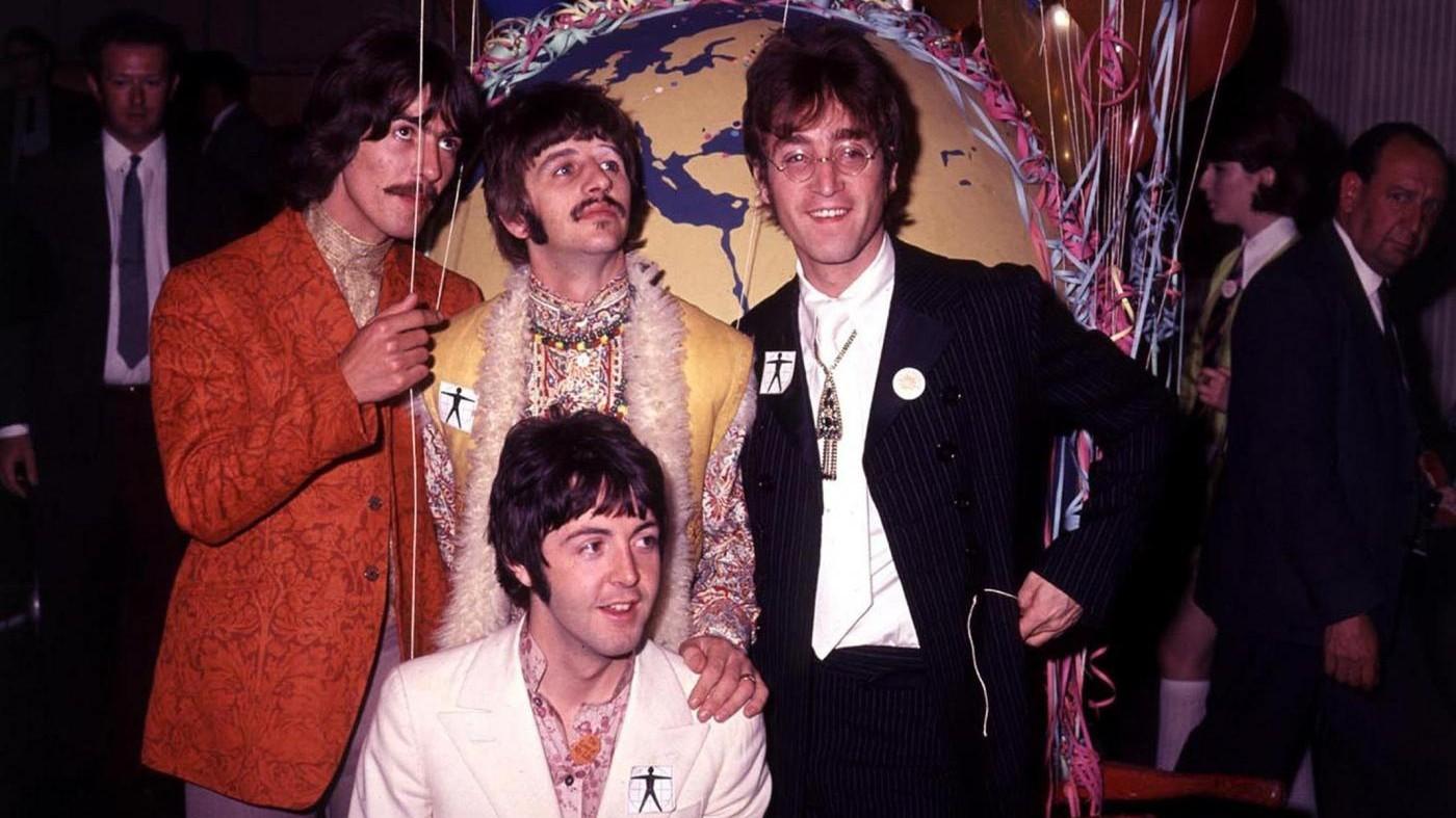 I Beatles al trucco: ecco filmato amatoriale inedito / VIDEO