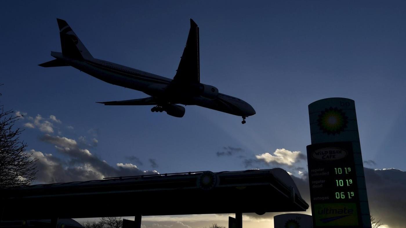Bimbo nasce in aereo: la mamma lo chiama 'Jet Star' come compagnia
