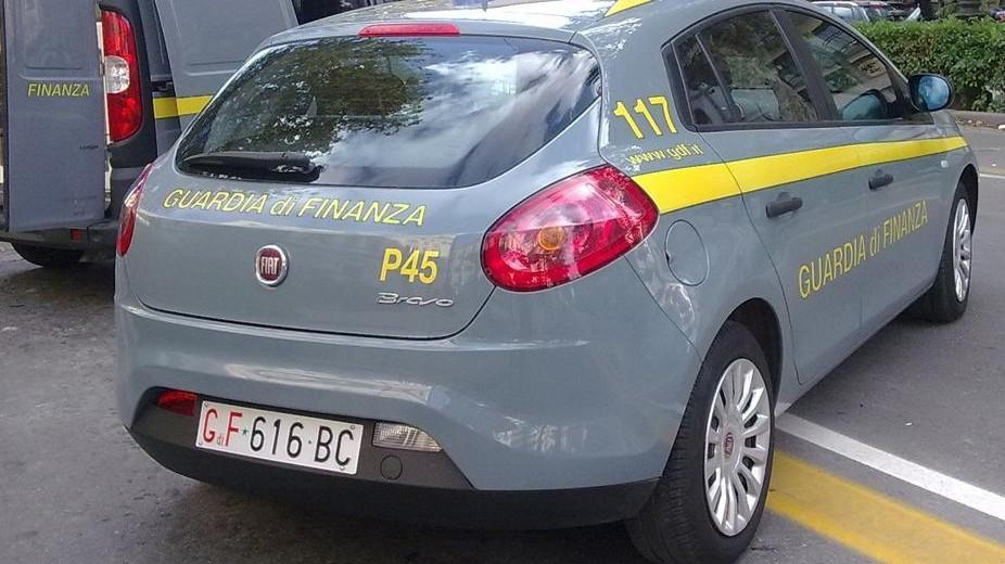 Contrabbando di gasolio, 19 arresti in Italia e all'estero