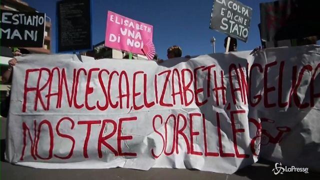 Centocelle, manifestazione di solidarietà per le tre sorelle morte