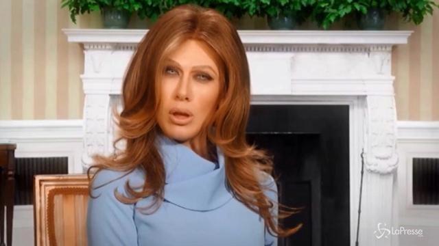 VIDEO Virginia Raffaele si trasforma in Melania Trump
