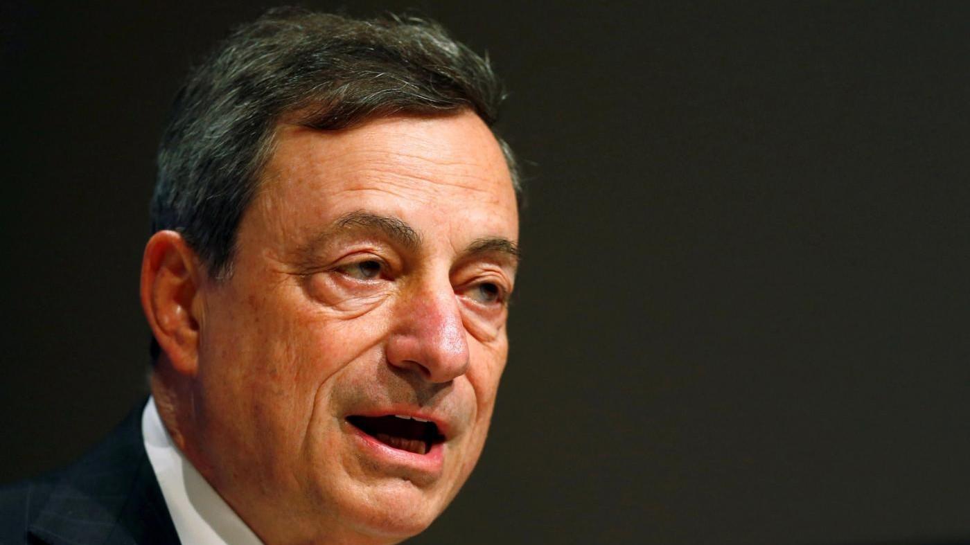 Bce: Inflazione ancora negativa, risale dopo la metà del 2016