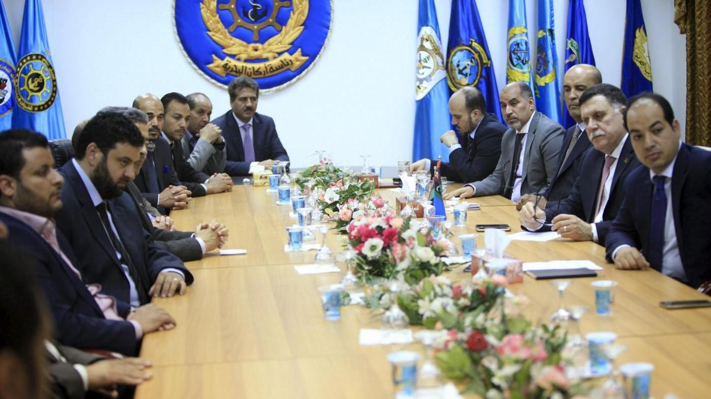 Libia, al Gweil lascia Tripoli. Altre città con governo al-Sarraj