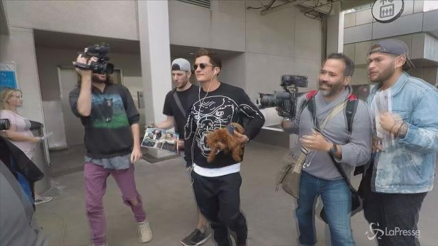 VIDEO Orlando Bloom single: il suo unico amore è il cane