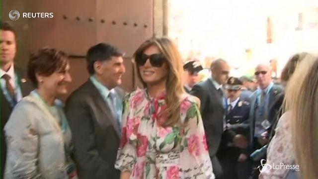 VIDEO G7, il gruppo delle mogli dei leader a spasso per Taormina