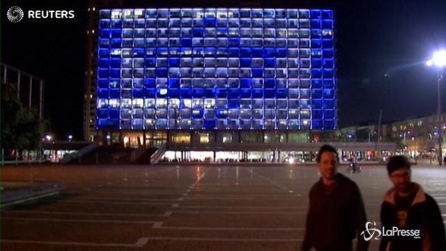 Tel Aviv, il municipio si tinge dei colori della bandiera russa