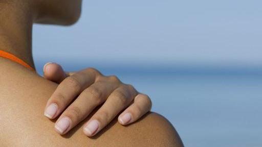Abbronzatura, dermatologa: ecco i consigli su come esporsi al sole