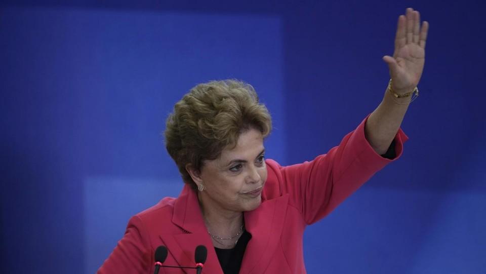 Brasile ok commissione impeachment rousseff alla camera for Commissione esteri camera
