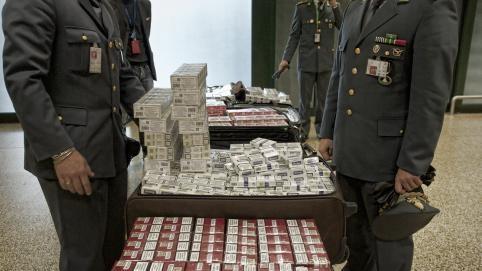 Palermo, sigarette di contrabbando nello zucchero: denunciato