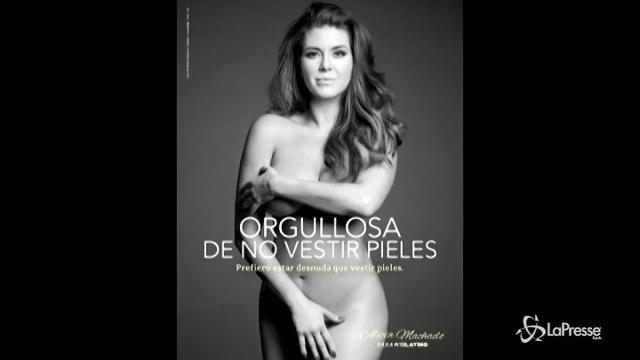 VIDEO L'ex Miss Universo Alicia Machado si spoglia per la PETA