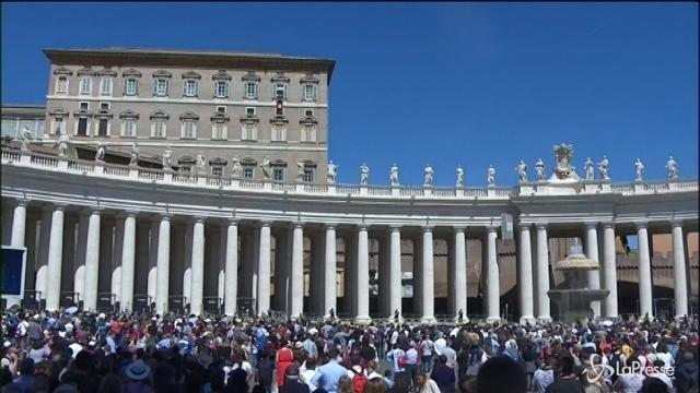 """Papa Francesco: """"Necessari gesti di solidarietà e accoglienza"""""""