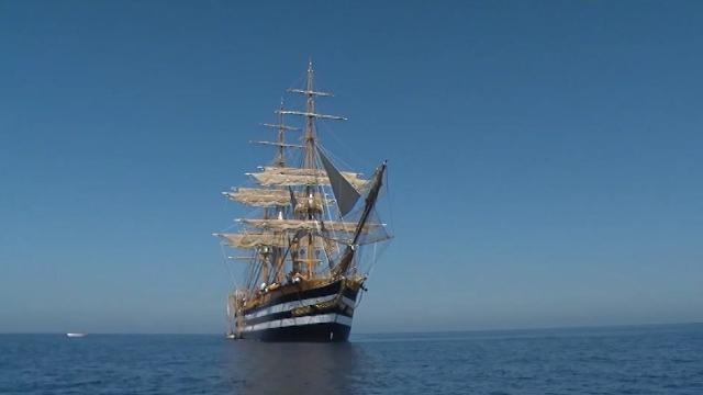 La nave scuola Amerigo Vespucci parte per il Nord America