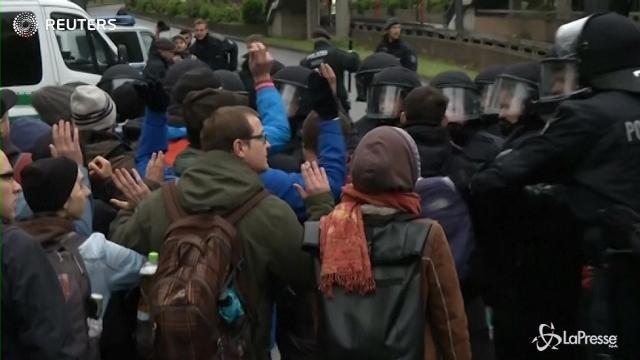 Colonia, manifestanti contro il congresso del partito di destra AfD