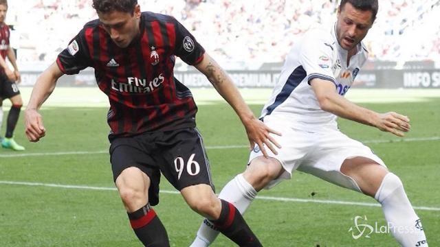 Calcio: il Napoli frena, passo falso del Milan