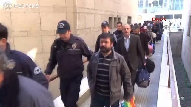 VIDEO Turchia, maxi-blitz contro rete Gulen: mille gli arresti