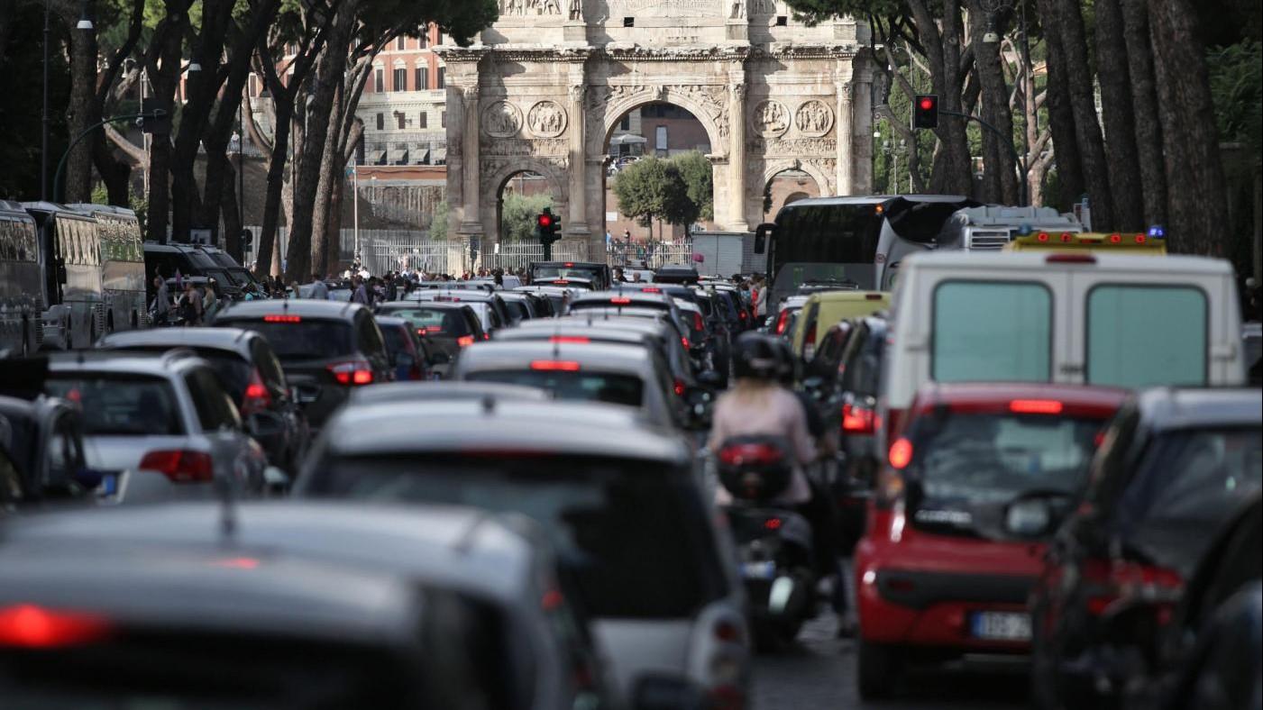 Sciopero, venerdì di passione per trasporti: metro chiusa Roma