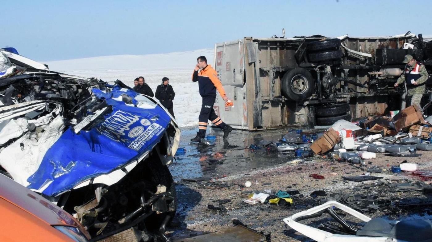 Apnee da sonno per 5% italiani: rischi per incidenti stradali