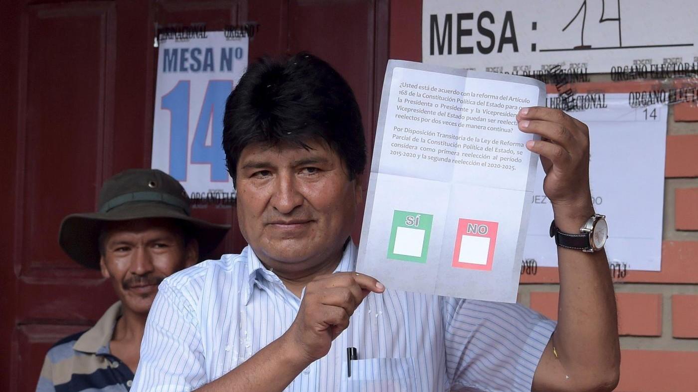 Bolivia, Morales verso sconfitta in referendum su 4° mandato