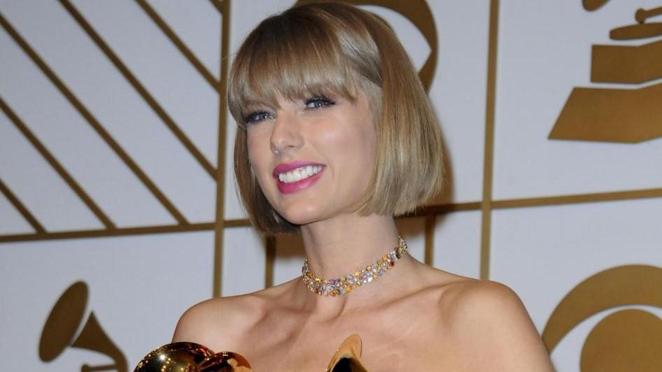 Taylor Swift dona 250mila dollari alla collega Kesha