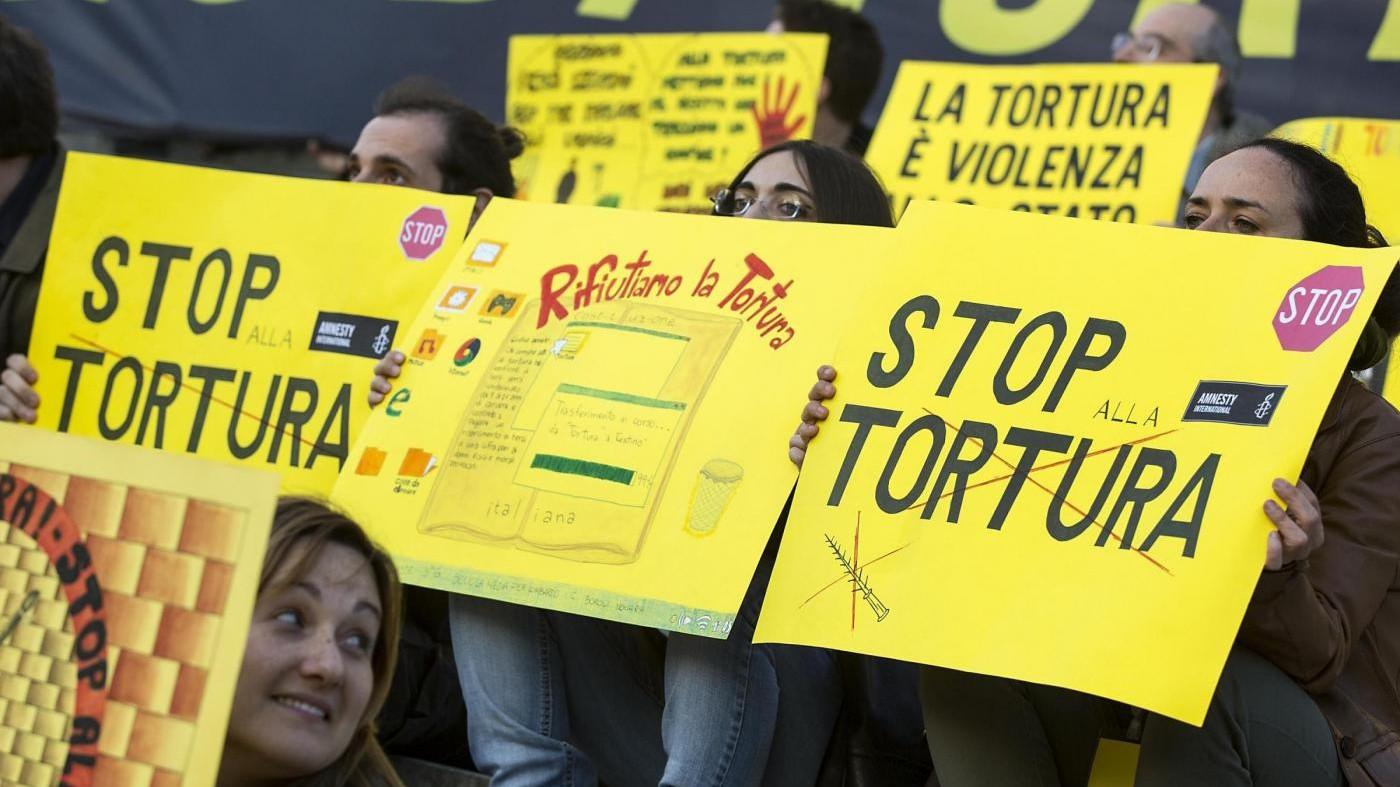 Diritti umani, Amnesty: Torture e maltrattamenti in 122 Stati