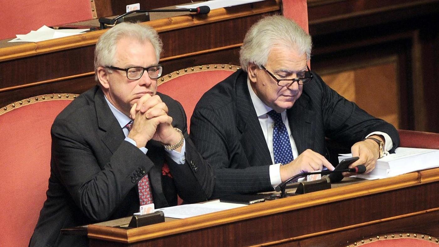 Ala da' fiducia a Renzi: Maggioranza varia, ira delle opposizioni