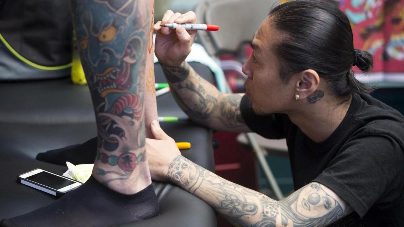 Inflazione, Istat: Nel paniere del 2016 entrano tatuaggi e bevande vegetali