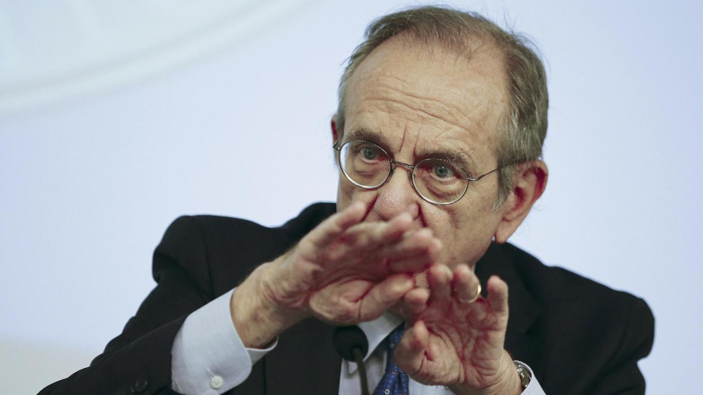 Ue, ping pong tra Padoan e Juncker prima dei dati su crescita