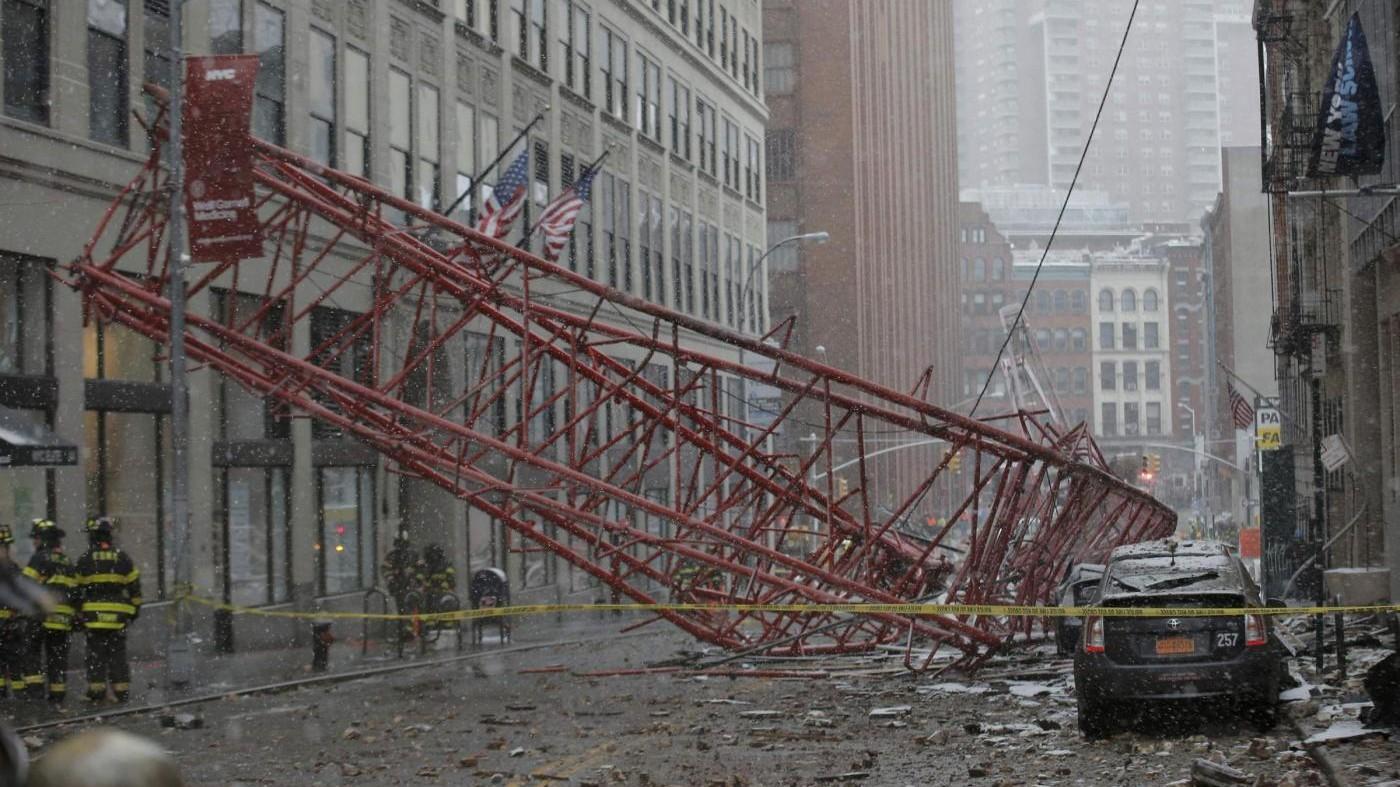 Usa, crolla gru a Manhattan: almeno un morto