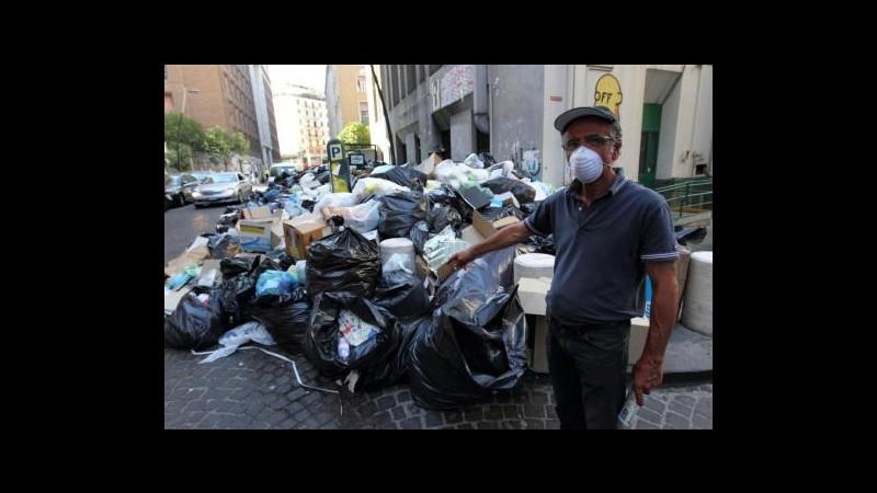 Rifiuti, procura Napoli indaga anche per omissione in atti d'ufficio