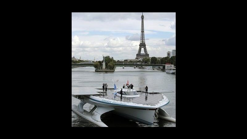 Dopo traversata Atlantico arriva a Parigi maxi barca a energia solare