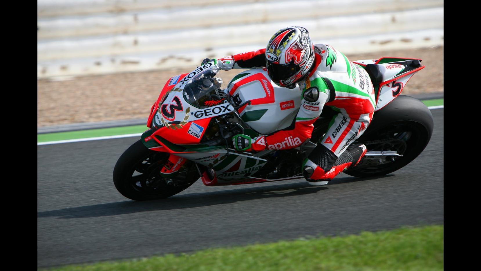 Superbike, Gp Spagna: in gara 2 rivincita di Biaggi su Melandri