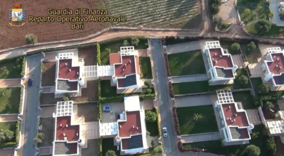 Bari, contrasto a evasione fiscale: indagini gdf su 161 ville di lusso