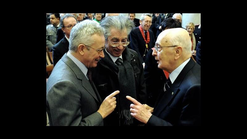 Manovra da Napolitano: taglio rinnovabili e stretta pensioni