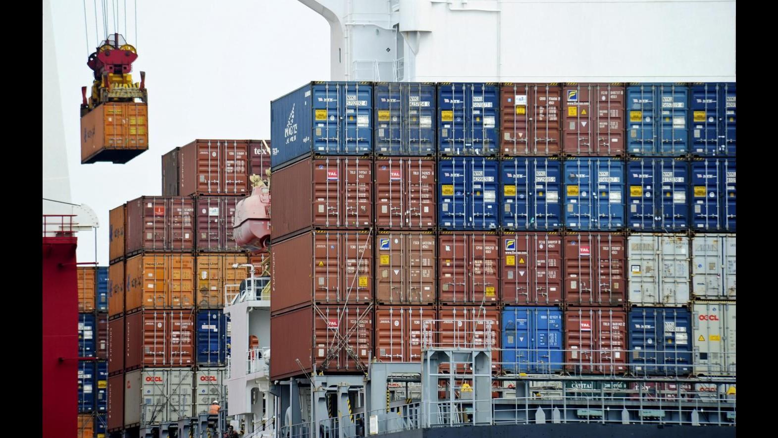 Cina, a giugno export +17,9, import +19,3 su anno