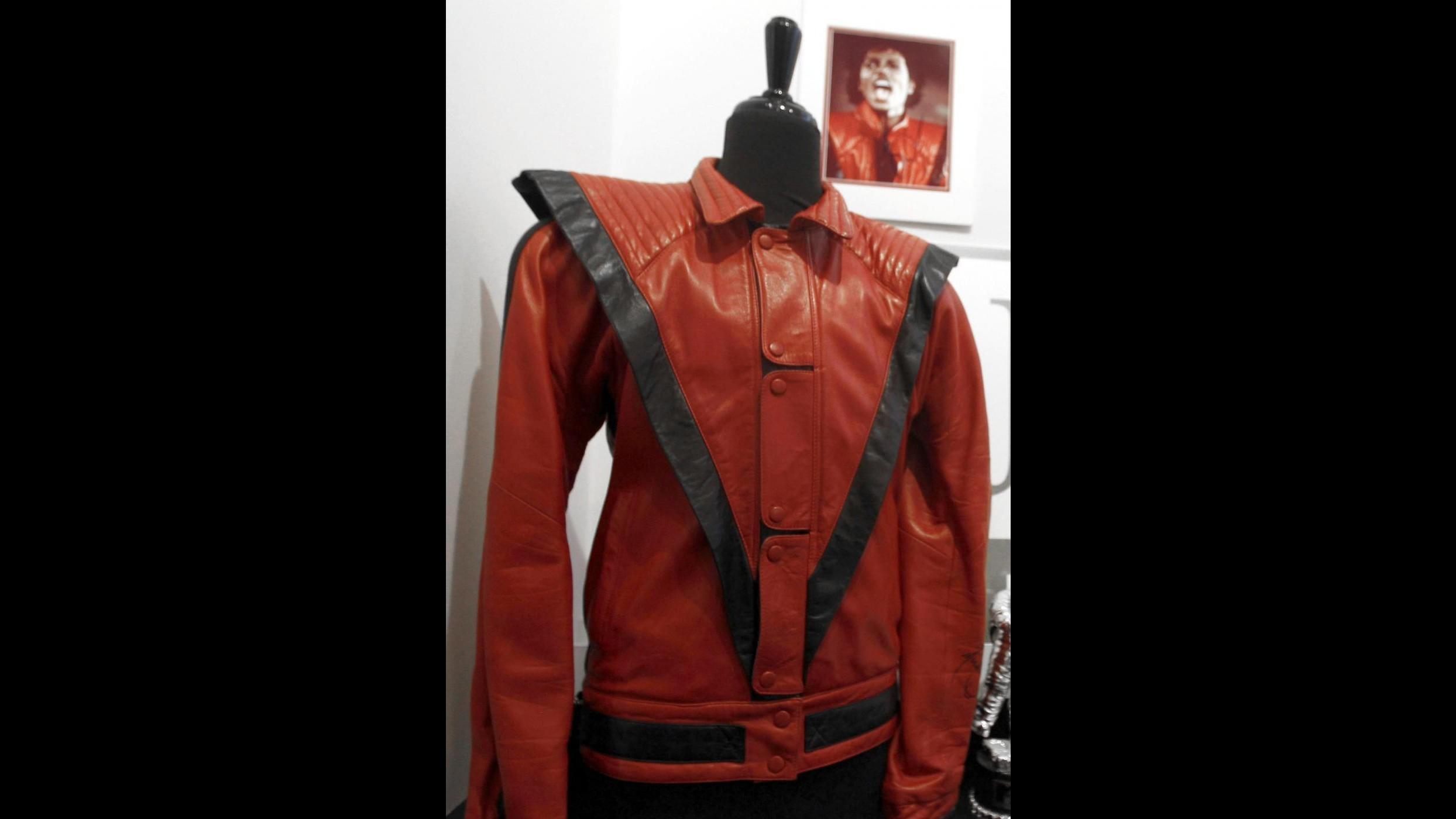 Michael Jackson, in vendita le copie delle sue giacche più famose