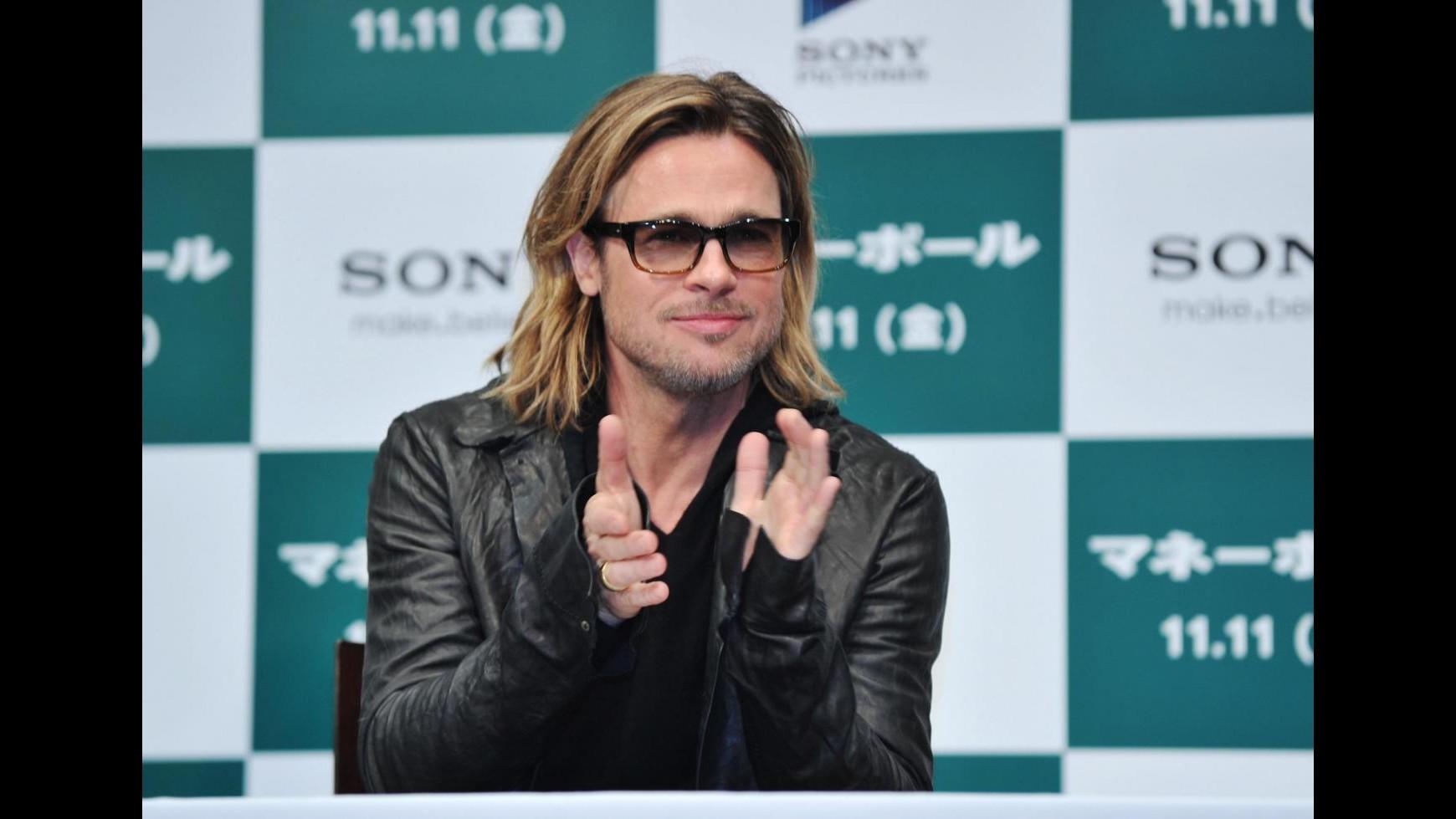 Brad Pitt e Angelina Jolie citati in giudizio dalla segretaria