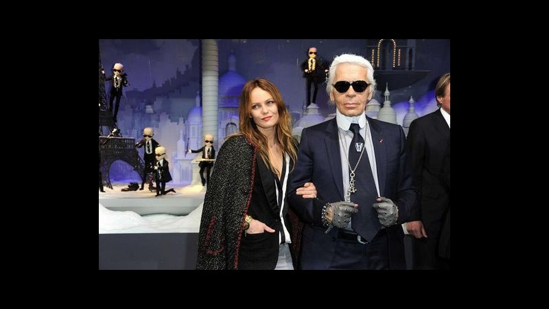 Vanessa Paradis illumina Parigi con Karl Lagerfeld