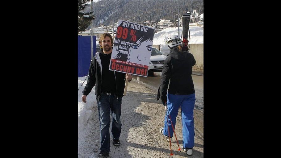 Davos, presidente forum propone incontro con Occupy per domani