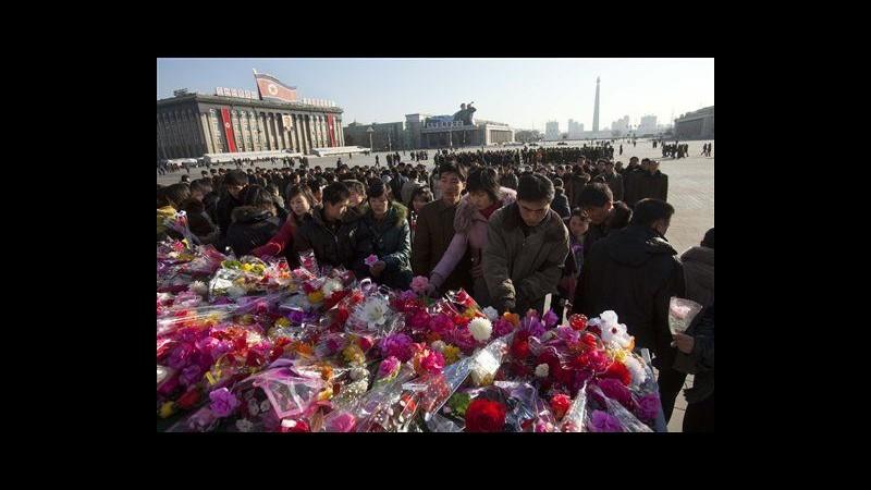 Nord Corea festeggia inizio anno nuovo e rende omaggio a Kim Jong Il