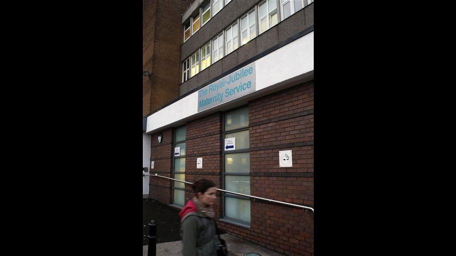 Evacuata unità bimbi prematuri di ospedale Belfast dopo 3 decessi