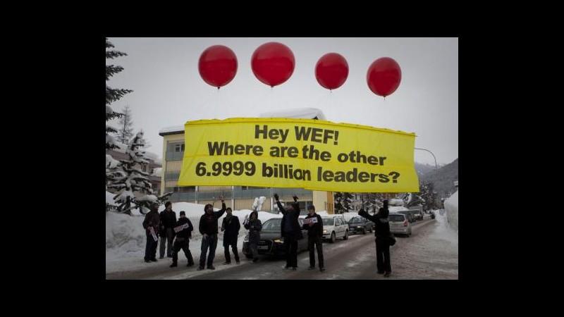 Davos, Occupy in corteo, interrotto dibattito con Miliband
