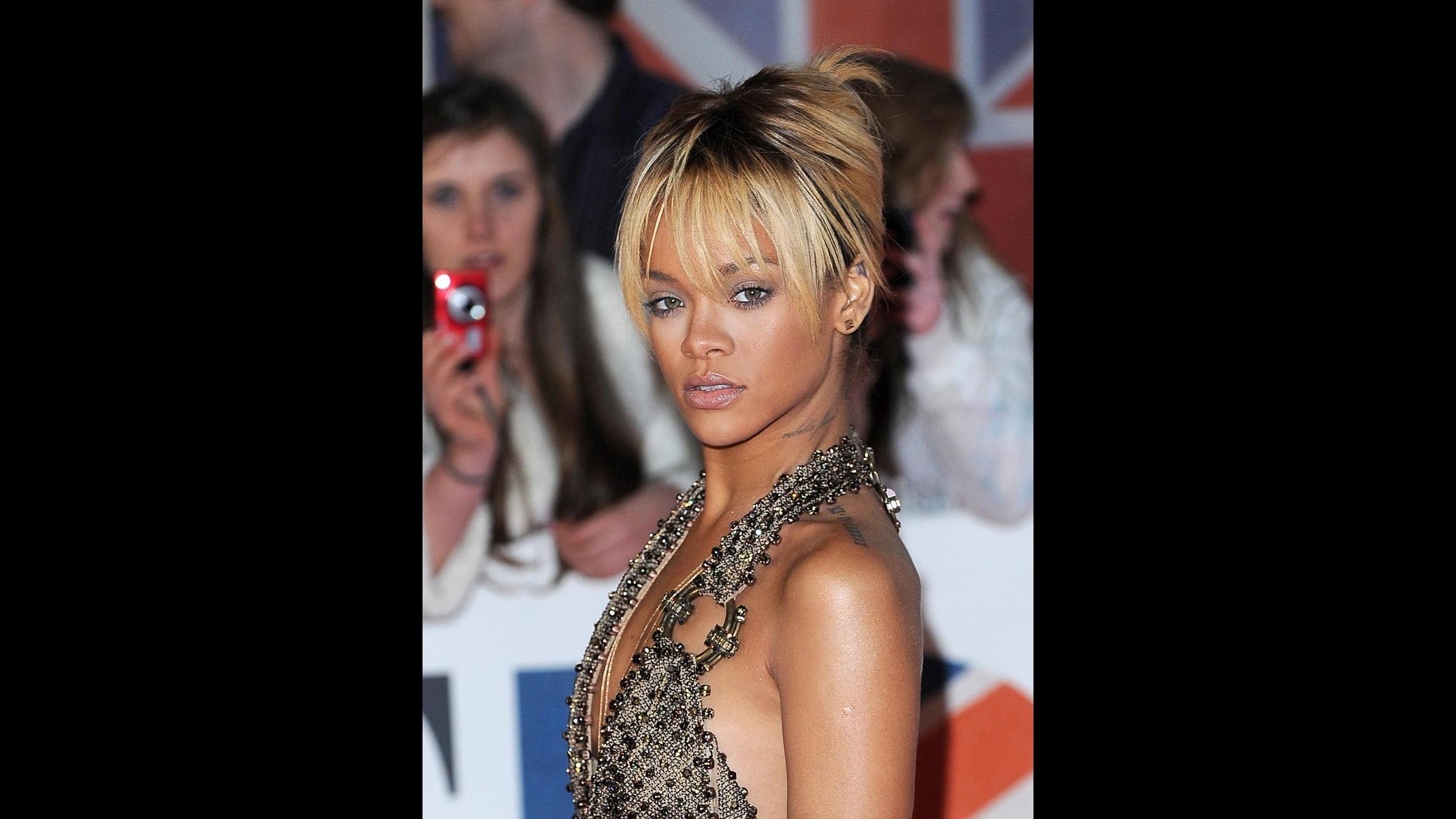 Rihanna è stufa di essere single e va a caccia di fidanzato