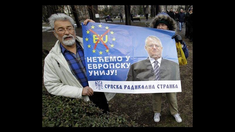 Serbia, nazionalisti manifestano contro adesione del Paese all'Ue