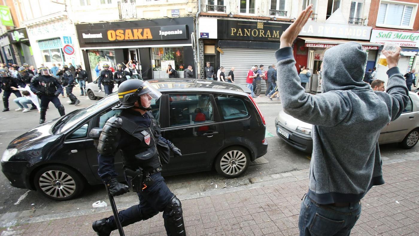 Euro 2016, scontri con hooligan inglesi a Lille: 36 arresti e 16 feriti